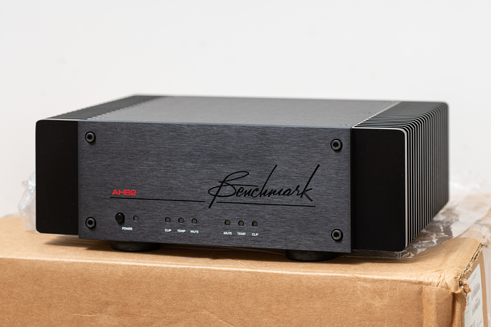 Benchmark%20Media%20Systems%20AHB2%20Power%20Amplifier%2C%2003